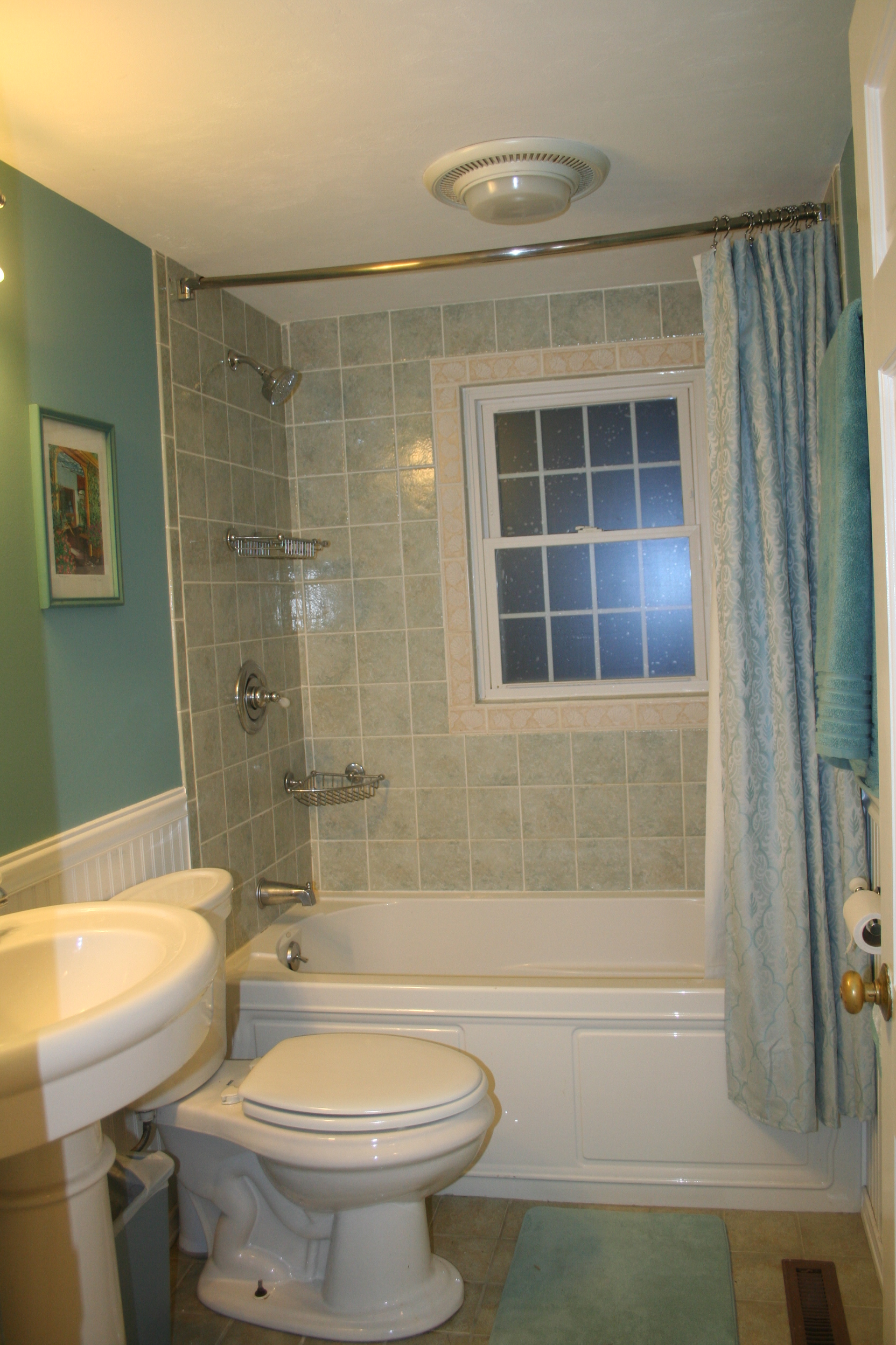 Full Bath, 1st floor, Turtle Cove, Cape Cod