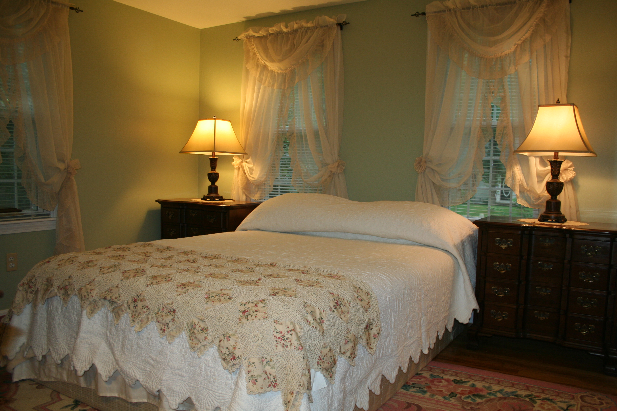 Master Bedrooom with Queen Bed, 1st floor, Turtle Cove, Cape Cod